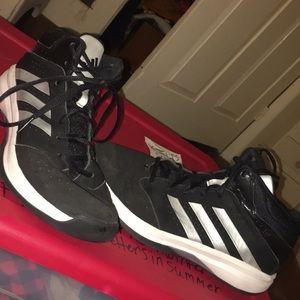 Adidas basketball shoes gently used